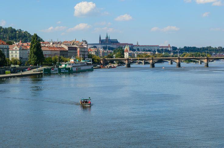Vltava a Pražský hrad. #praha #prague #vltava #pražskýhrad