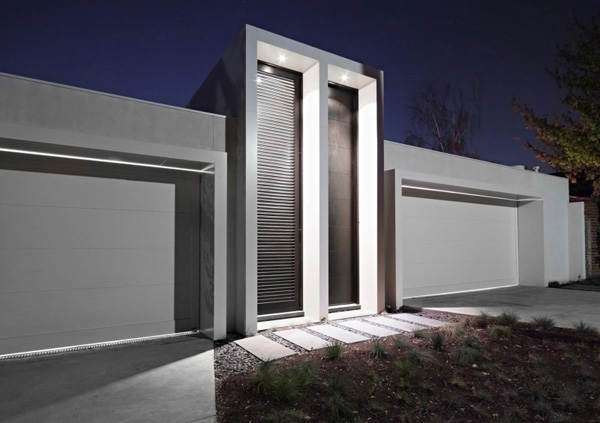 Sleek White Garage Design For Your Suburb Home With Modern Touch