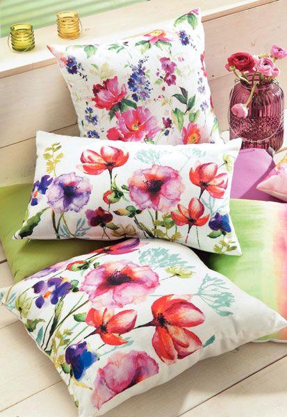 Perna decor Aquarell - Accesorii pentru dormitor, cu motive florale - Slide 1 din 14. Slideshow pe Kudika