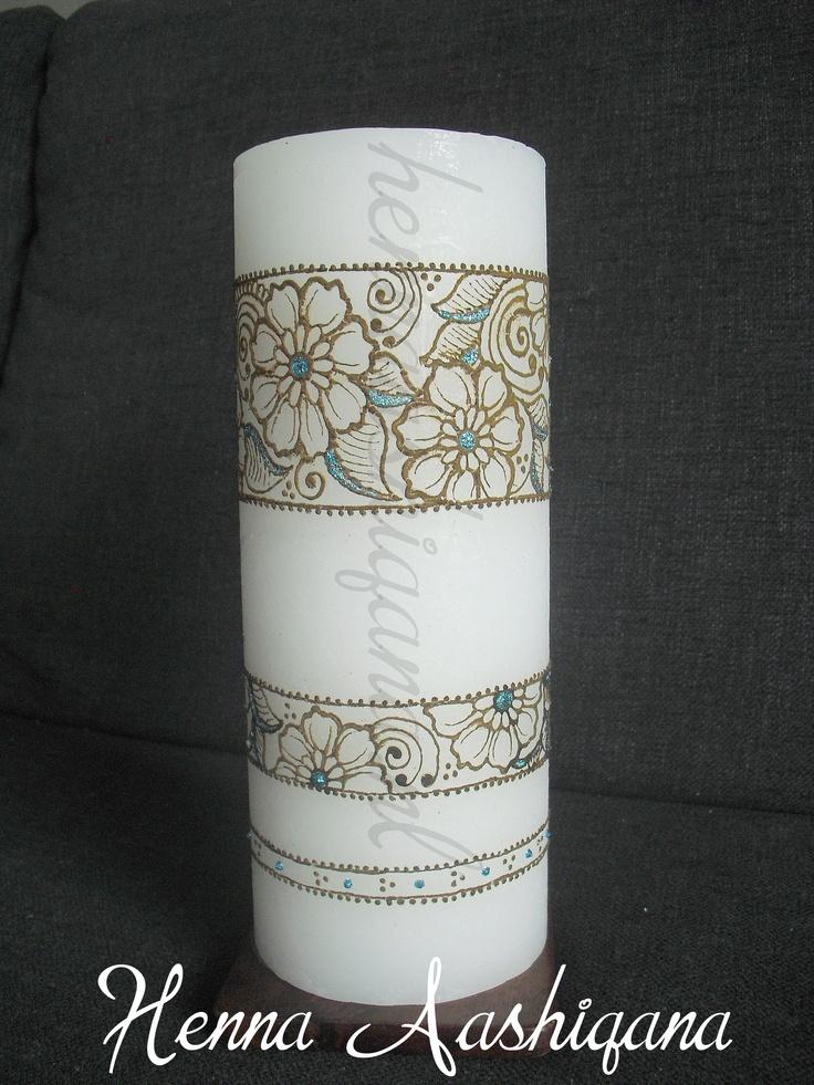 Henna stompkaars met 110 branduren, die zorgen voor een Indiaas sfeertje in huis. Kijk op www.hennaaashiqana.nl voor meer voorbeelden.