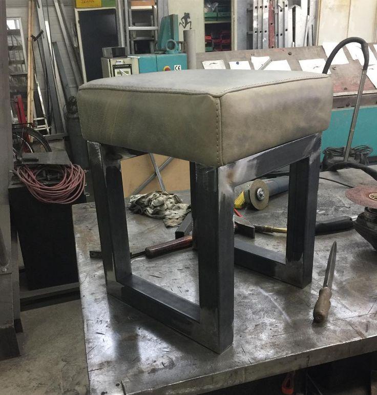 Another Day of welding at Harry's Place! Thank You!!!! @flugprojekte #welding #zauberlehrling #furniture #germansteel #thyssenkrupp #metallprojekte #stool