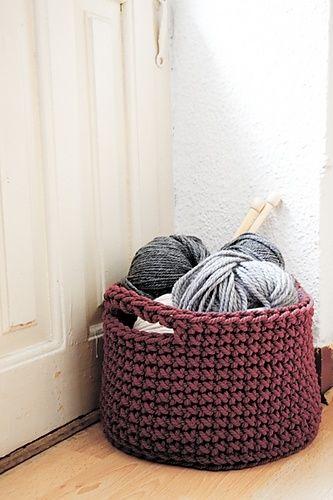 Basket crochet pattern by lauguina siuke by Manueeltje