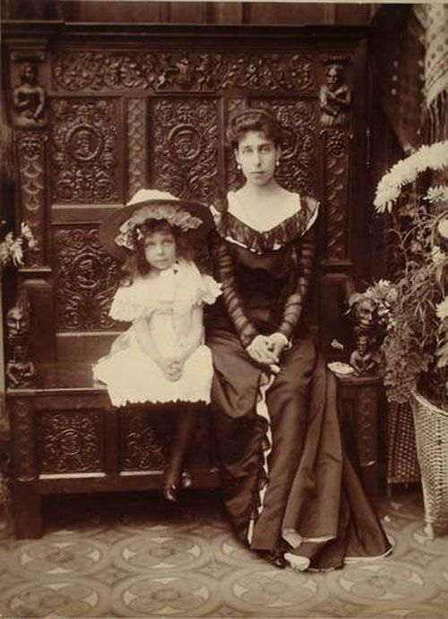 Victoria Melita and Elisabeth. Ducky was very fashion-forward - look at her sheer sleeves.
