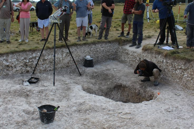 """Superhenge""excavation reveals big surprise.  The Ludwig Boltzmann Institute recording the westernmost posthole. (Credit: National Trust)"