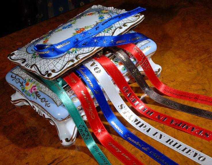 Ruban personnalisé - custom ribbon satin Nastri personalizzati in raso, doppio raso, raso economico, cotone, gros grain, stampa in rotativa, stampa in serigrafia, srigrafia in rilievo, stampa a caldo, MASSIMA QUALITA' DI STAMPA, PRODOTTI ITALIANI.