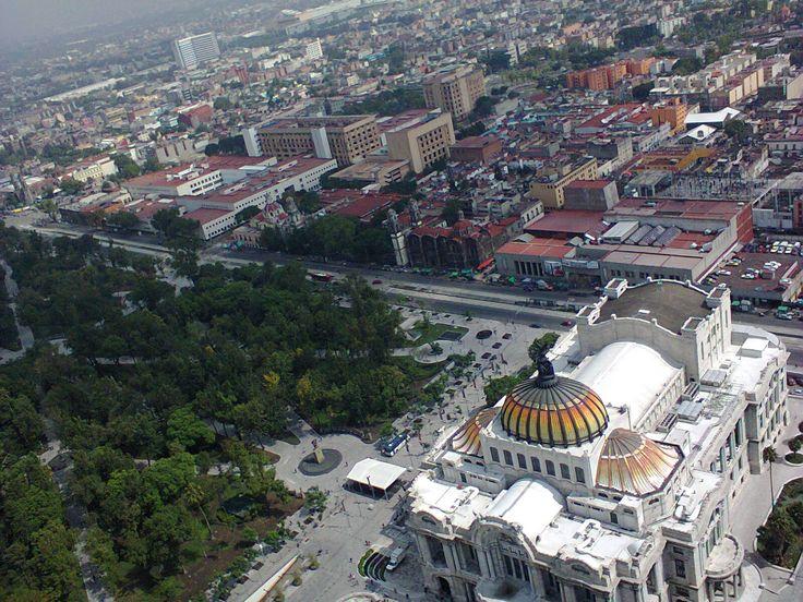 """""""Palacio de Bellas Artes, parte de la Alameda Central y ciudad,  desde el mirador de la Torre Latinoamericana"""", foto 13"""