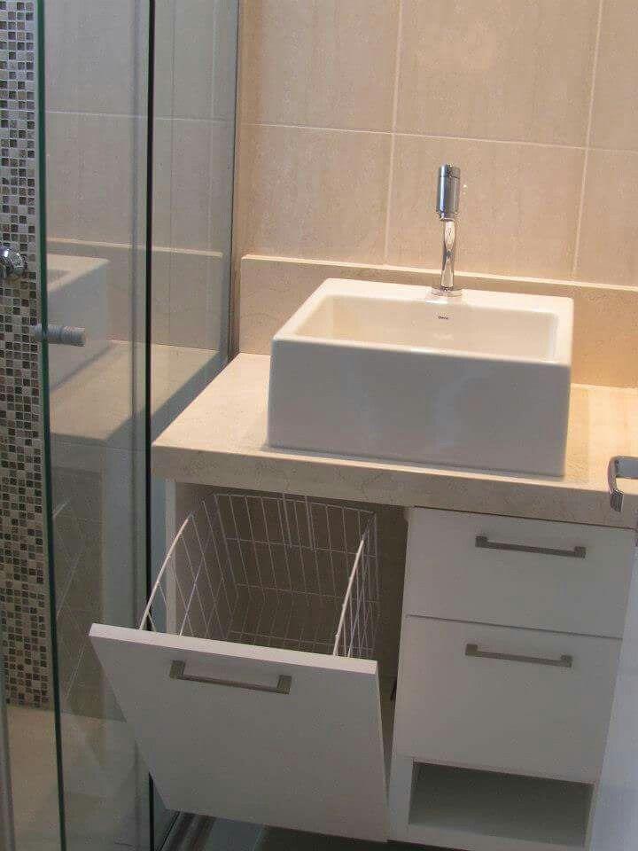 17 melhores ideias sobre Armario Banheiro Pequeno no Pinterest  Armario de b -> Armario De Banheiro Planejado Com Cesto De Roupa