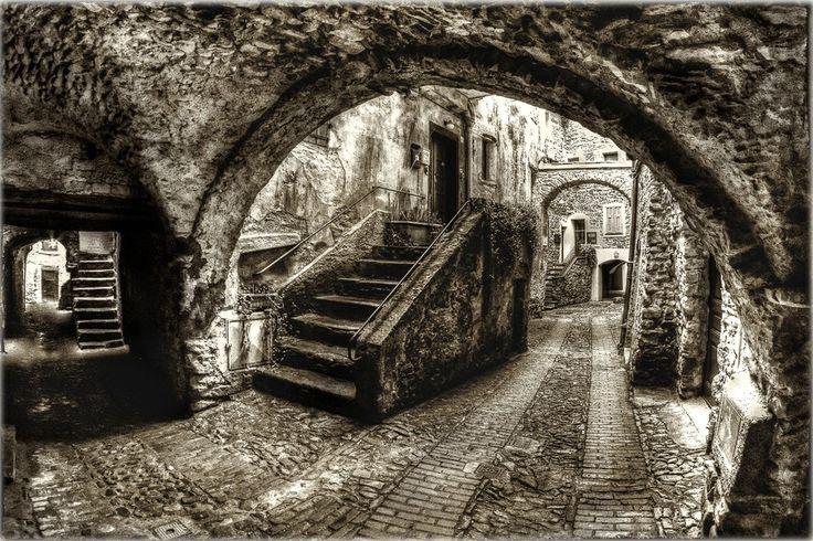 Via Guiglia, Isolabona. Foto di Roberta Sala