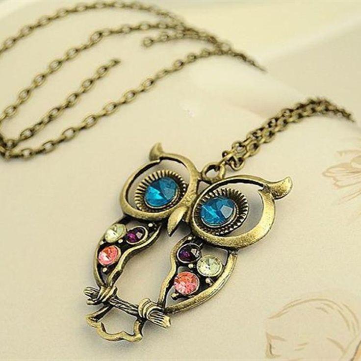 Se você é uma mulher que adora corujas( animal que representa sabedoria),  esse é o colar que não pode faltar no seu porta jóias. b2285c77d6