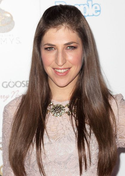 Mayim Bialik. She's gorgeous, on Big Bang Theory, and so smart. She amazing!