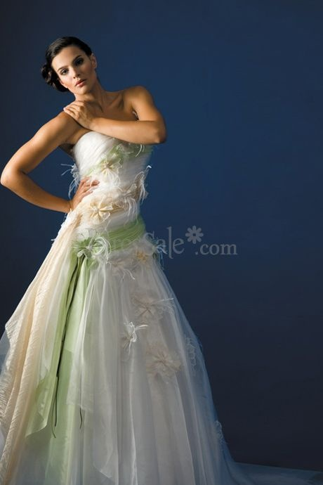 Fancy Colorful Wedding Dress with the Green and Champagne Color Straps