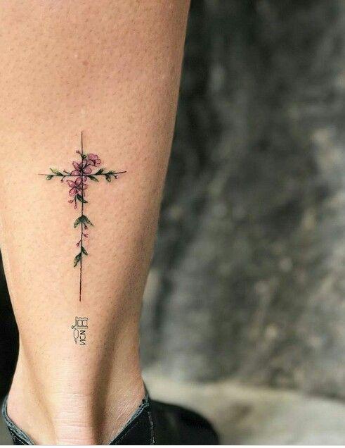 Con 5 Flores Que Representan La Familia Tatto Tatuajes Femeninos