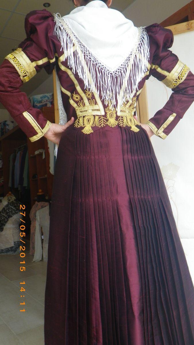 Μια παραδοσιακή νυφιάτικη φορεσιά της Λευκάδας # Η Λαμπρινή Θερμού