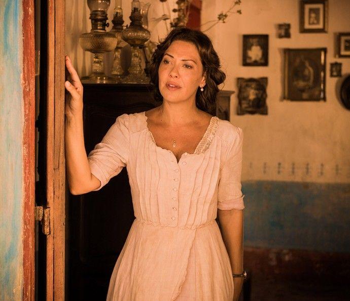 Fabiula Nascimento viverá a esposa do capitão Rosa: Eulália. Ela será uma mulher boa, cheia de personalidade (Foto: Caiuá Franco/ Globo)
