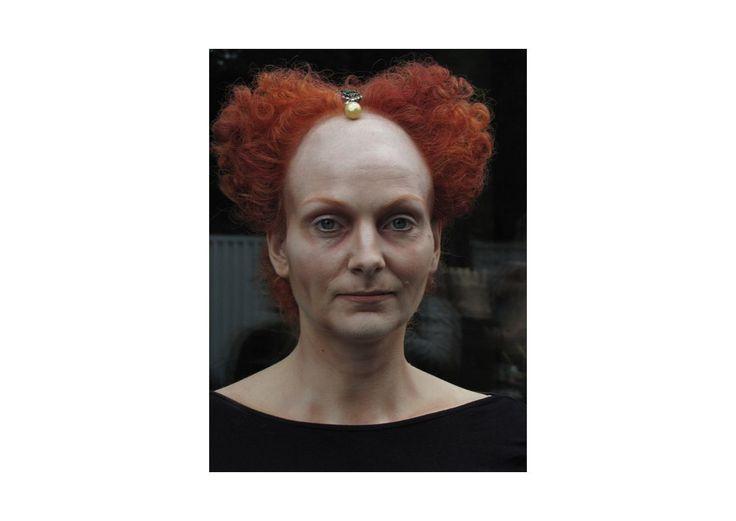 Elisabeth die I. Make-up mit Stirnglatze, Charaktermake-up und Perückenstyling an einer Echthaarperücke im Stil der Renaissance von Ilka Küting Fen Fire Art