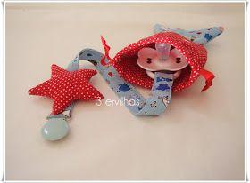 Fita de chucha estrela com bolsinha para guardar em forma de peixinho. [vermelho/azul] Fita de chucha estrela com bol...