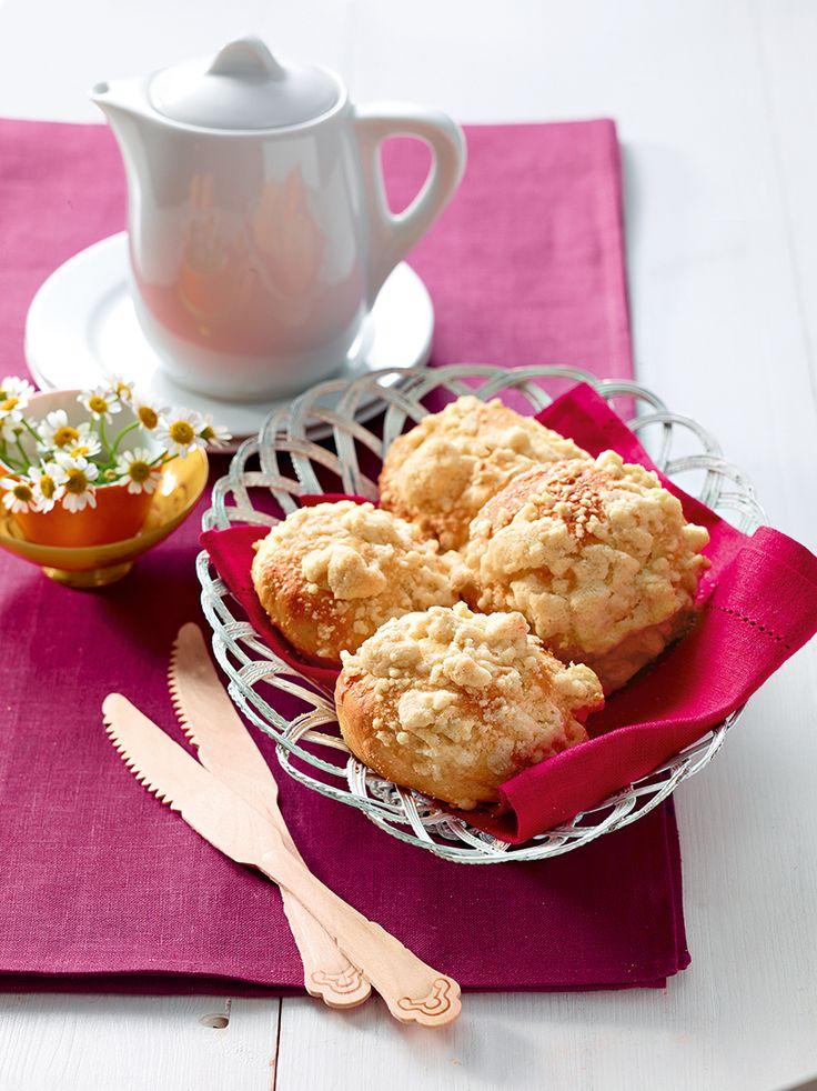 Streuselbrötchen -  Süße kleine Brötchen aus einem Hefeteig mit einer feinen Zimt-Note, nicht nur zum Frühstück ein Hit