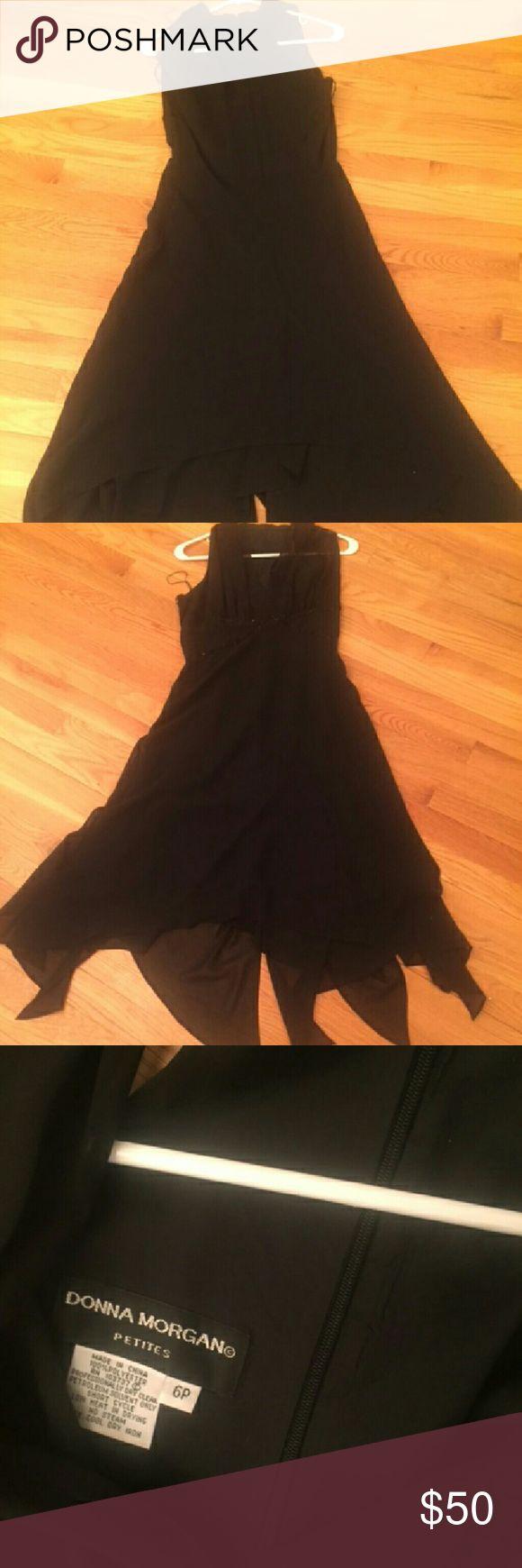 Donna morgan This piece is a Donna Morgan black carap enevelope cut dress formula evening gown Donna Morgan Dresses Maxi