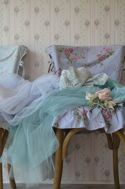 Lovely Shabby Chic chair covers - lilac