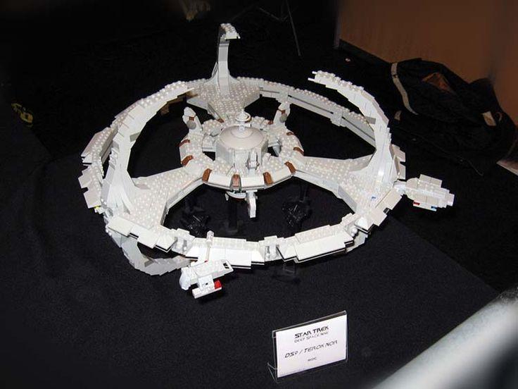 LEGO-Star-Trek-DS9-station