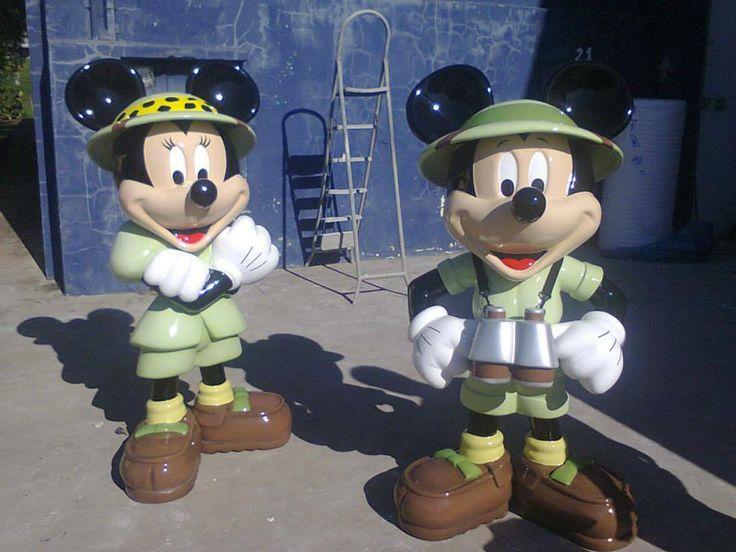 Mickey e Minie em fibra de vidro para decoração de festas.