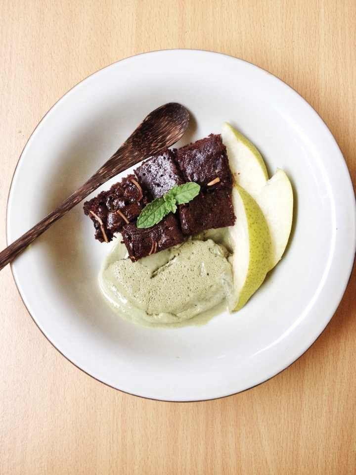 Ice cream greentea brownie