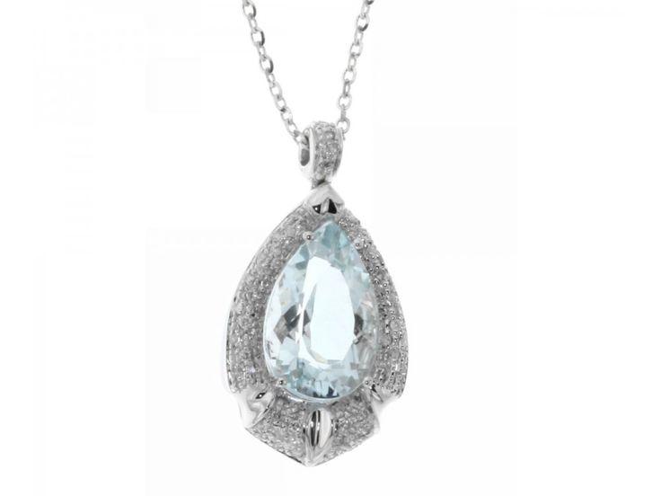 Collana in oro bianco con acqamarina a goccia ct. 5,40 e contorno a pave di diamanti carati 0,36 G-VVS1