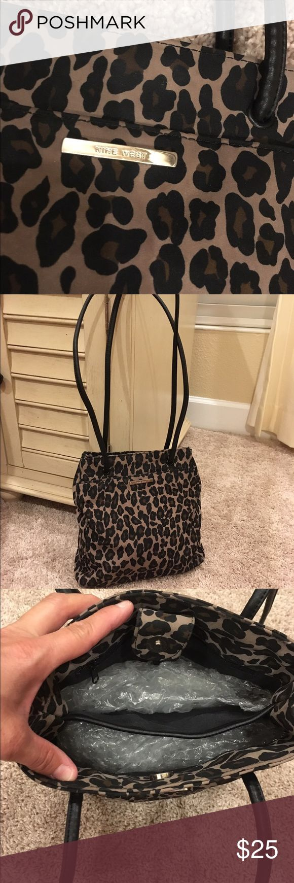 Nine West Leopard Purse w/Phone Holder Very nice Bag and Phone Case. From Clean Smoke Free Home Nine West Bags Shoulder Bags