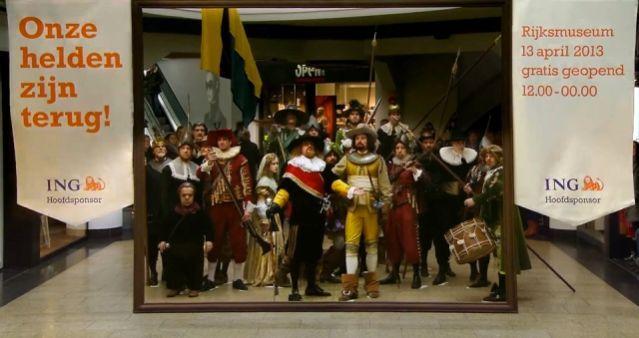 """A pintura de Rembrandt, """"A Ronda Noturna"""", ganhou movimento e forma em um flash mob realizado em um shopping da Holanda, para celebrar o retorno da obra ao museu nacional Rijksmuseum, em Amsterdã, dedicado às artes e história."""