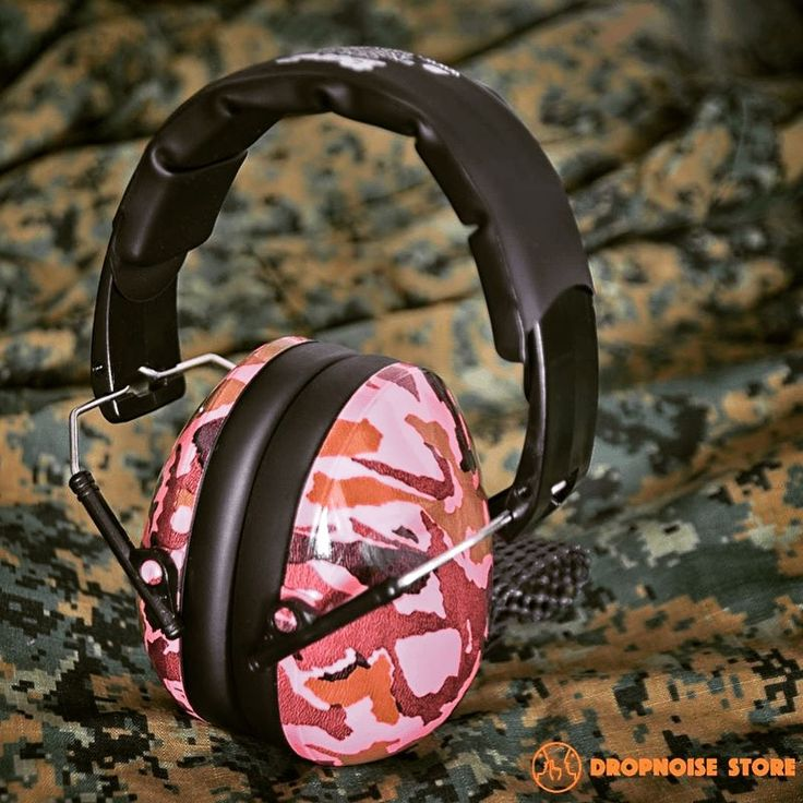 Big kids need hearing protection, too! Camo Pink Protective Earmuffs from Banz, specially designed for 2-10+ years. Light and comfy, they fold up small and kids enjoy wearing them. ( #📷 @dropnoise via @latermedia )