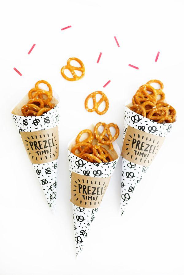 Crea, sorpréndete y ¡diviértete! Sorprende a tus invitados con un #detalle original y #diferente || #sediferente #DIY #hazlotumismo #hechoamano #handmade pPrintable #pretzel #cones #happyDay #conos #picoteo #comida #food #alimentacion #picar #celebracion #diaespecial #manosalaobra #sorpresa #creatividad #diseño #inspiracion #ideas #conestilo #estilo #style #cosasbonitas #detallesbonitos #detallesunicos #detallesdiferentes #artesanal #meencanta #toptop #inlove #creacion #envase #packaging