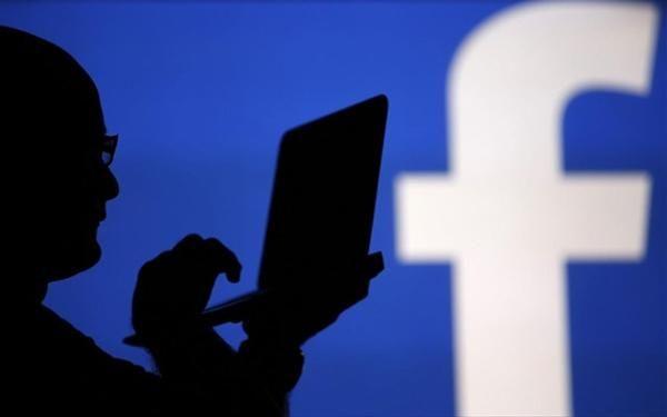 Πώς το Facebook «παίζει» με την ψυχολογία μας