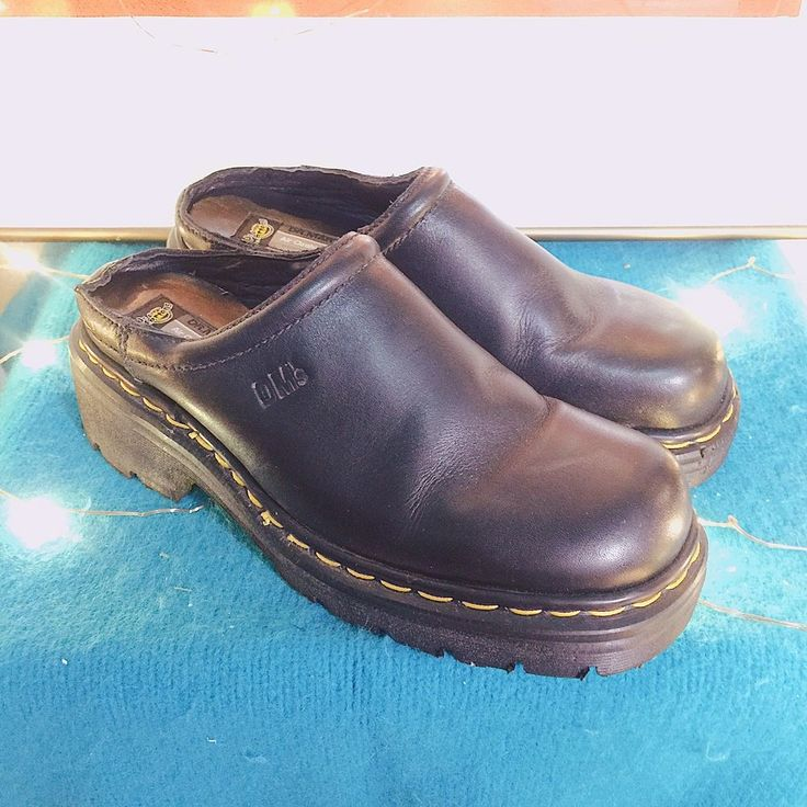 Dr. Martens Black Leather Platform Mules Clogs Air Cushioned sole Uk 6 #DrMartens #Clogs #Casual