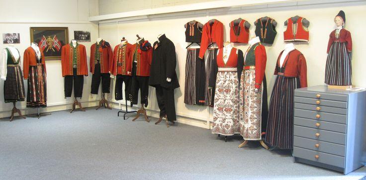 Utstilling av Sunnfjordbunader på Sunnfjord Museum