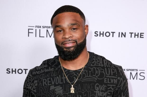 """UFC's Tyron Woodley Says Tekashi69 LAX Fight Is """"Embarrassing"""" Tyron Woodley has a few words about Tekashi69's LAX brawl.https://www.hotnewhiphop.com/ufcs-tyron-woodley-says-tekashi69-lax-fight-is-embarrassing-new... http://drwong.live/article/ufcs-tyron-woodley-says-tekashi69-lax-fight-is-embarrassing-news-44429-html/"""