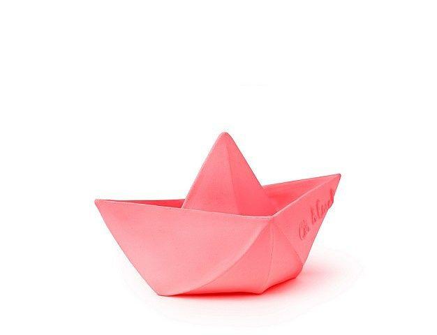 Oli & Carol Origami boot roze #rubberenbootje #kraamcadeau #babyspeeltje