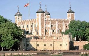 Tower of LondonRoyal Families, Tower Of London, Towers Of London, Favorite Places, Crown Jewels, Afternoon Teas, Royal Palaces, Crowns Jewels, London England
