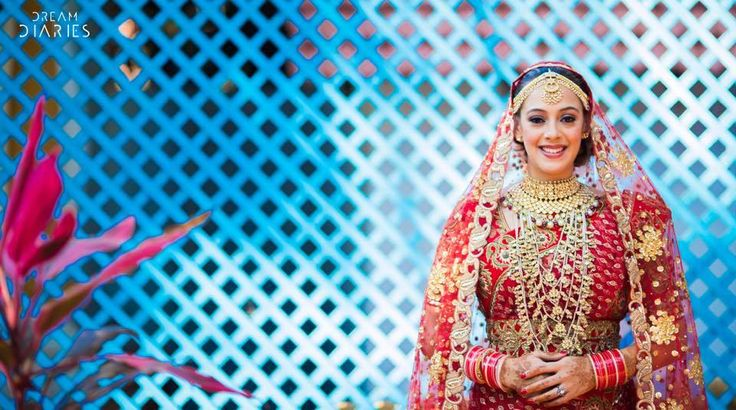 Hire Professional Photographer and Get Upto 40% Off Photographer - Dream Diaries Book Now - http://www.professionals.services/serv…/details/dreamdiaries Location - Mumbai
