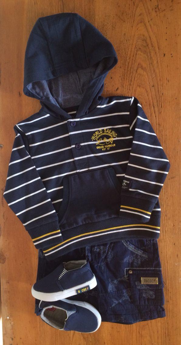 Votre petit garçon sera prêt à prendre le large avec ce bel ensemble d'inspiration nautique.  #mode #modechoc #fashion #fashionkids #kids #boys #navy #boat #summer #sailor #spring