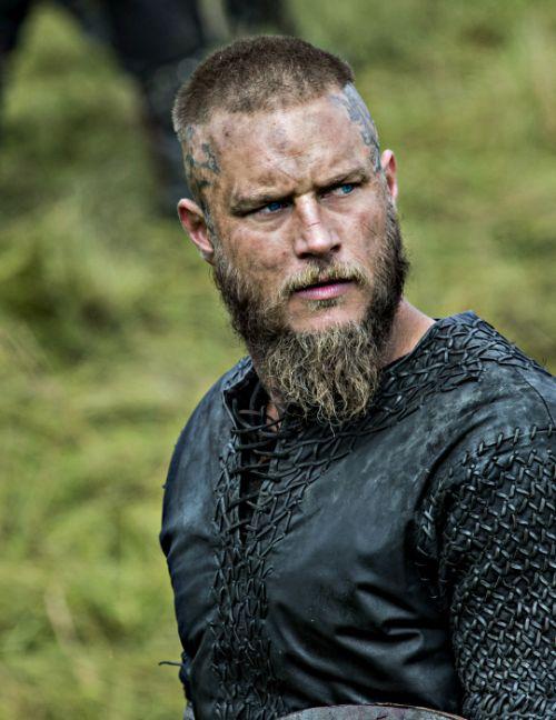 Vikings Ragnar New Hair Best 25 Lothbrok Actor