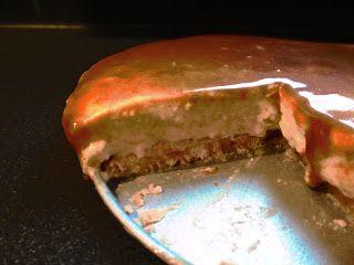 Blame Julia: De hmm-koekjesbodem-kaastaart-met-gezouten-karamel-en-nootjes!