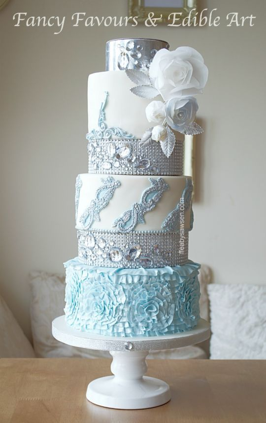 Looking for some amazing super fancy-looking wedding cakes? In this post, we are featuring the best cake designs for you. We are very sure that you will be surprised on how fancy these cakes are. Be amazed while browsing all of them... :)
