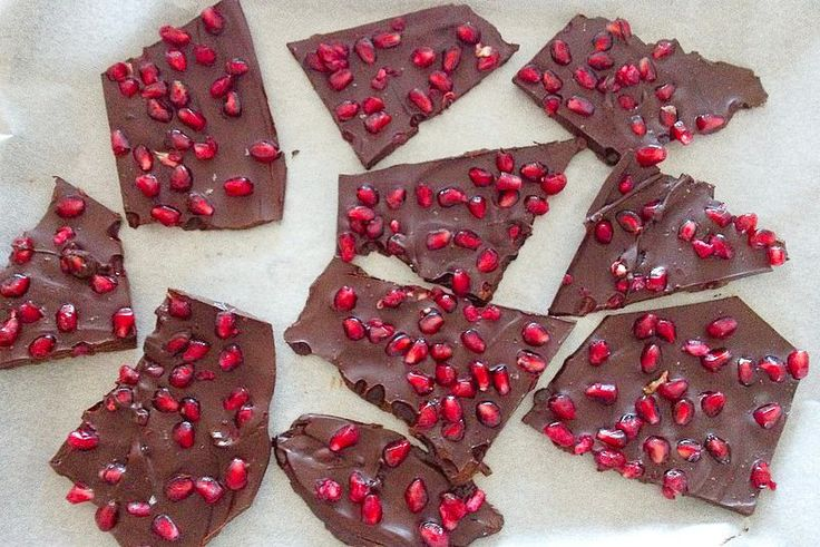 Dark Chocolate and Pomegranate Bark | Insulin Resistance Diet Recipes