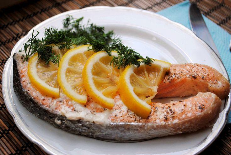 Запеченный лосось, маринованный в апельсиновом соке
