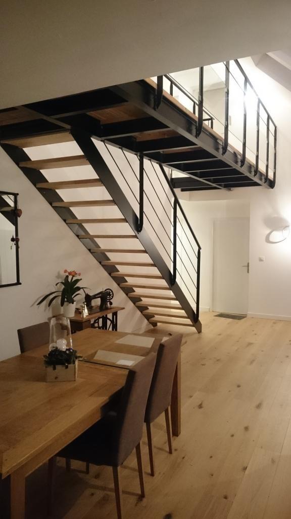 Passerelle suspendue avec escalier métallique.  Architecture et décoration contemporaine. Art Métal Concept - Quimper - http://artmetalconcept.e-monsite.com/album/escaliers/