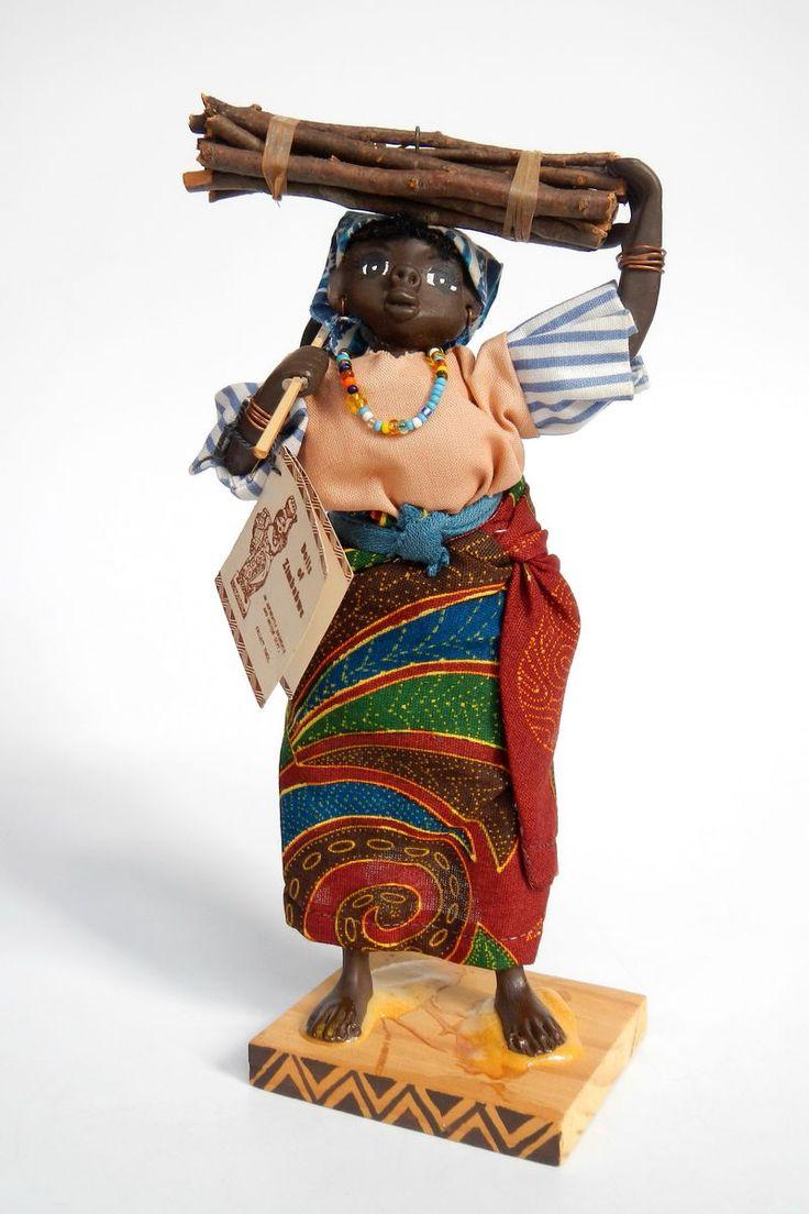 Zimbabwe | National costume doll by Seyer Dollcrafts