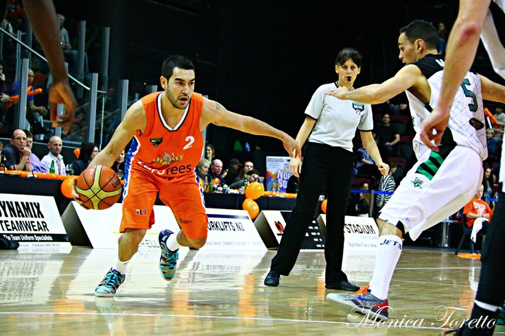 Southland Sharks' Luke Martin in the game against Manawatu Jets at Stadium Southland.  June 07, 2014.   Sharks won 91-83.