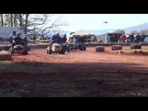 On the first week of November, 2012, Lawn Mower Racers from across the country gathered in Stevenson, Alabama for the annual Sam Rogers US All Ameircan Open, one of the premiere lawn mower racing events in the nation. More than 120 mowers battled in several different classes. This high octane video features racing action, racer interviews and trophy winners.  http://www.letsmow.com/2013/01/video-clippings-2012-sam-rogers-u-s-all-american-open-recap/