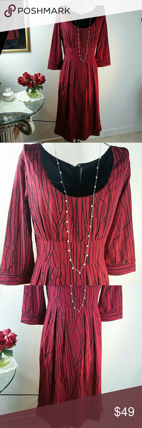 Valentine WALTER BAKER Red dress with black lines Pretty red dress with black lines throughout the dress Walter Baker Dresses