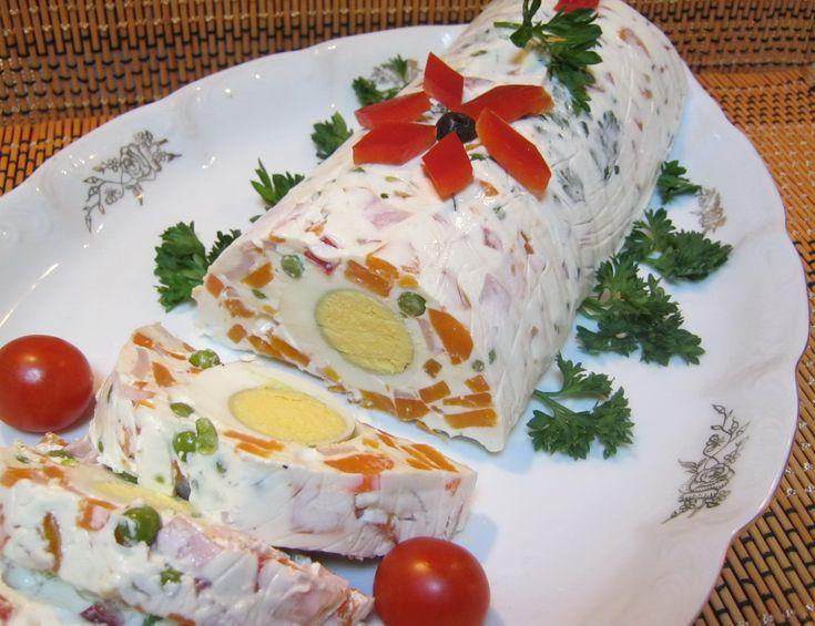 Reteta culinara Terina din salata de boeuf din categoria Aperitive / Garnituri. Specific Romania. Cum sa faci Terina din salata de boeuf